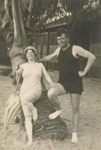 Jack London and his second wife, Charmian Kittredge in Hawaii (ca. 1915).